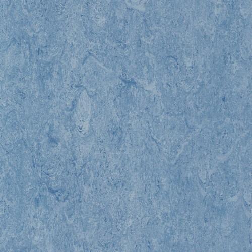 121-124 milky blue